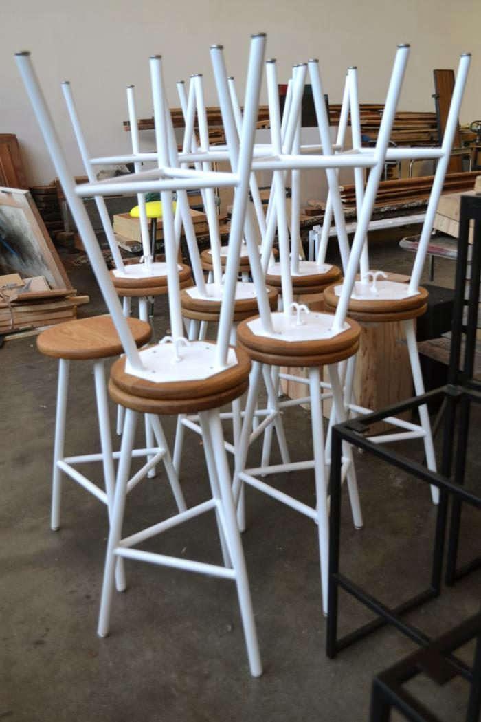 700_ohio-design-white-stools