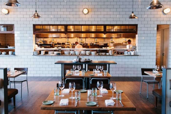 700_optimist-view-into-kitchen