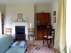 Remodelista-Ben-Pentreath-Dorset-Parsonage-bedroom