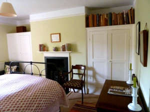 Remodelista-Ben-Pentreath-Dorset-Parsonage-bedroom