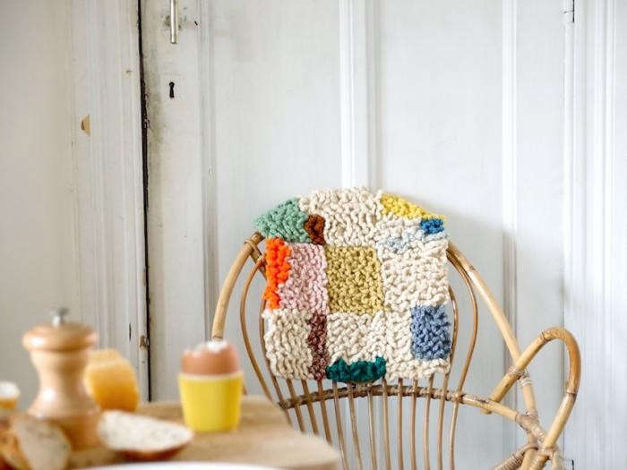 700_renilde-de-peuter—cushion-and-egg