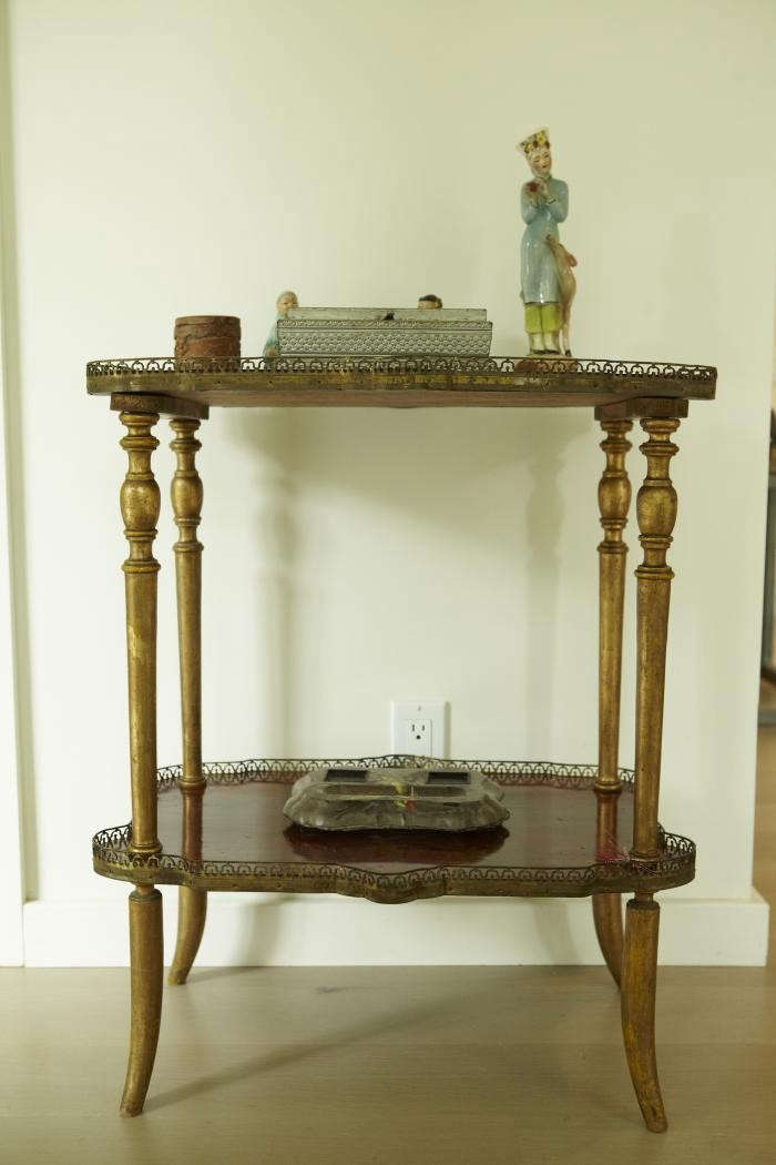 700_shiva-rose-antique-table