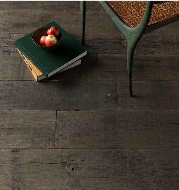 commune-army-wood-floor