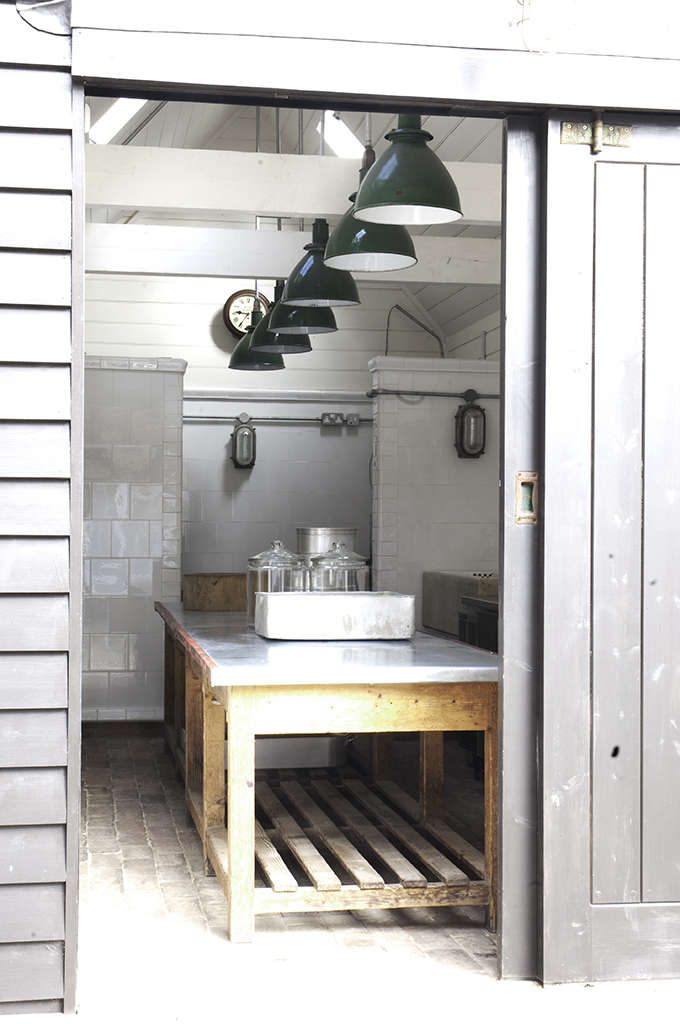 hendy-s-home-store-kitchen-green-light