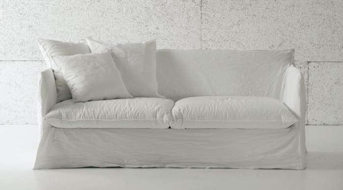 10 Easy Pieces The Perfect White Sofa Remodelista