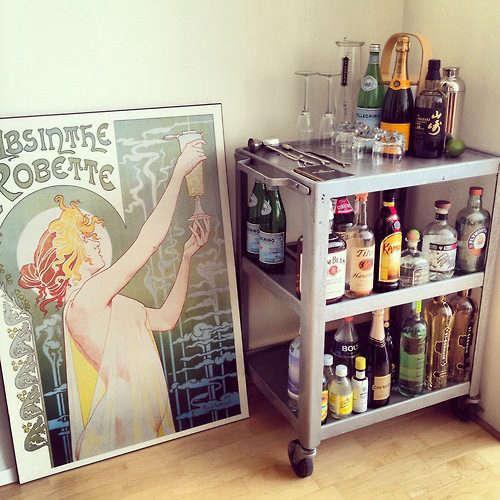 remodelista-bar-cart-05-jpeg