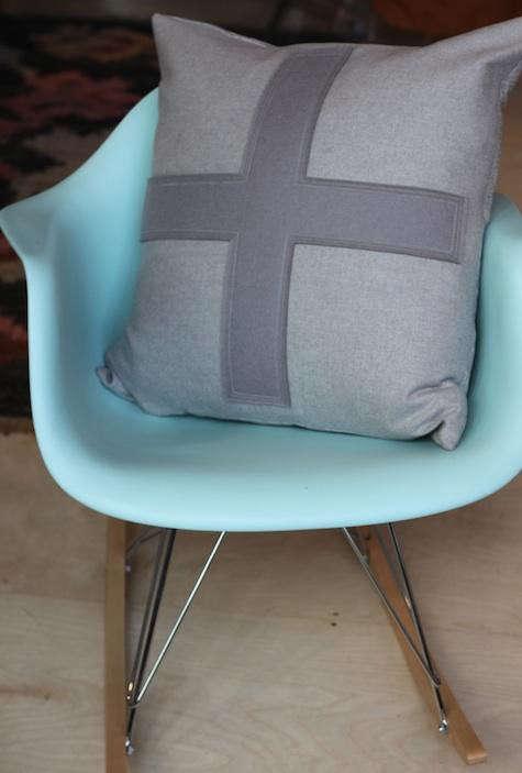 alder-cross-pillow-blue-eames