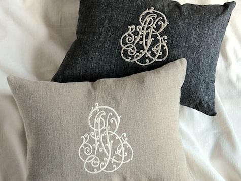 anne-black-white-pillows