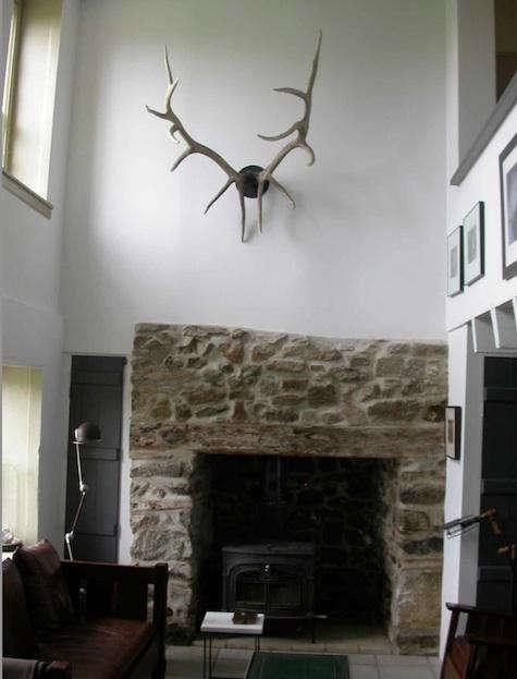 bibi-monnahan-antler-fireplace