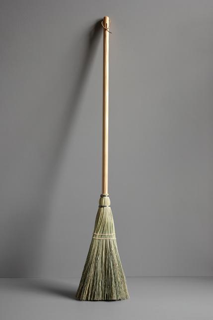justamere-tree-farm-shaker-broom