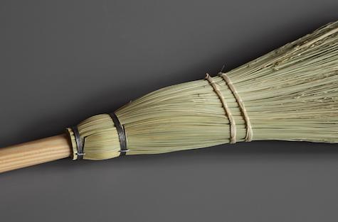 justamere-tree-farm-shaker-broom2