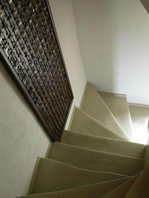 monnahan-stair-with-keys