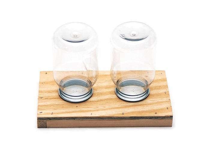 700_bee-thinking-jar-feeder