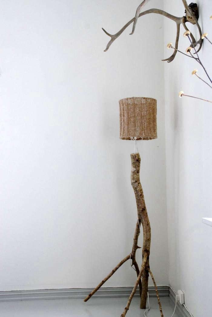 700_crochet-lampshade-wood-lamp