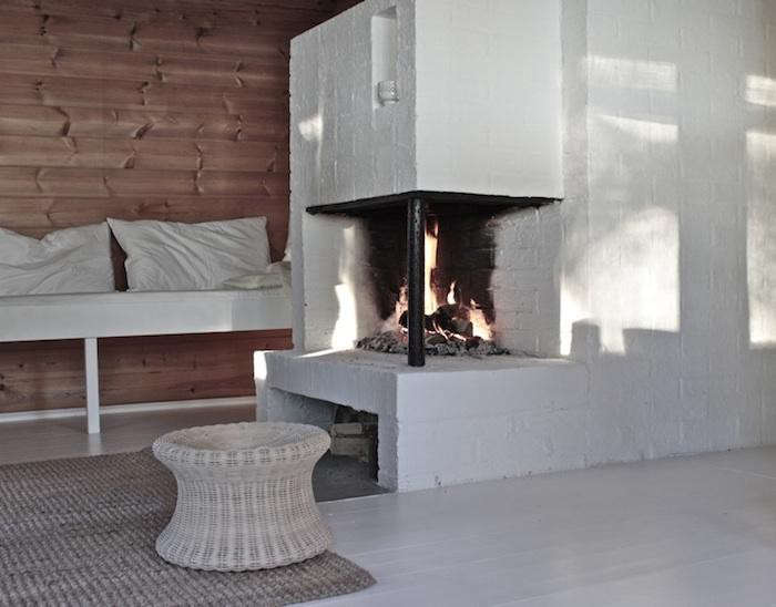 700_custom-day-bed-fireplace-2
