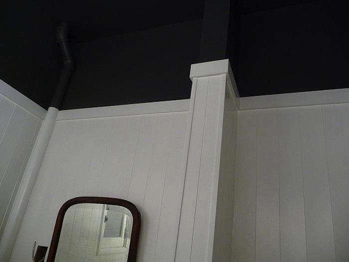 700_door-sixteen-black-ceiling