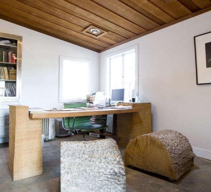 700_evan-shively-desk