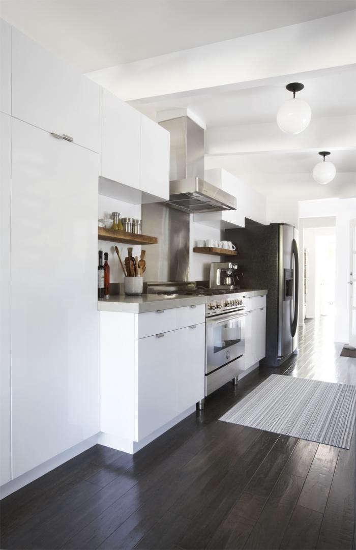 700_remodelista-lisa-collins-marin-kitchen-eichler-03