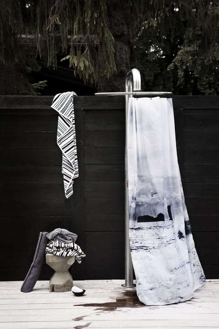 700_remodelista-nordic-elements-shower-curtains-01-jpeg