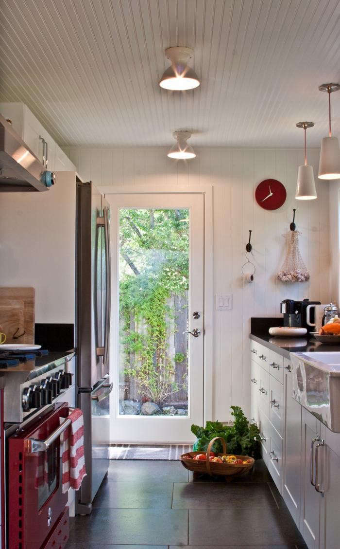 700_remodelista-reader-rehab-sonoma-kitchen-02