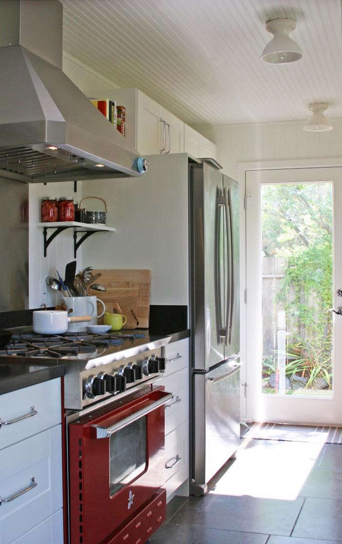 700_remodelista-reader-rehab-sonoma-kitchen-08