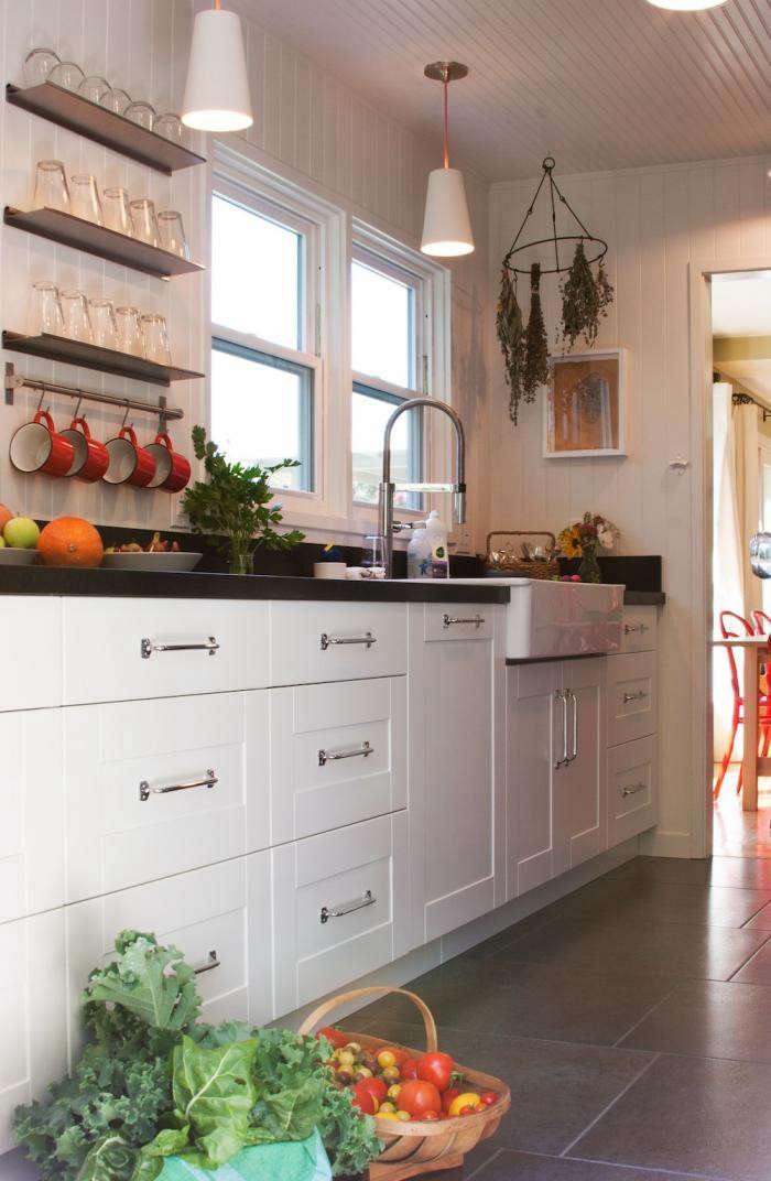 700_remodelista-reader-rehab-sonoma-kitchen-12