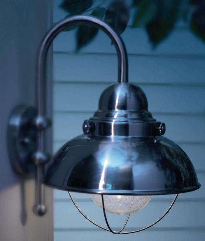 700_seagull-sebring-outdoor-energy-star-light
