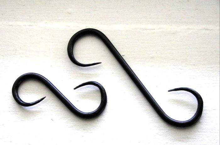 700_vin-tin-cast-iron-hook