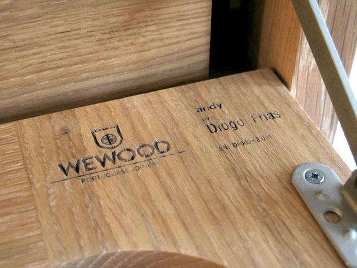 700_wewood-coat-hanger