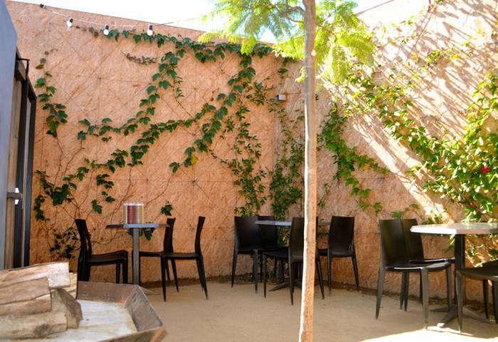 700_wurstkuche-remodelista-patio2