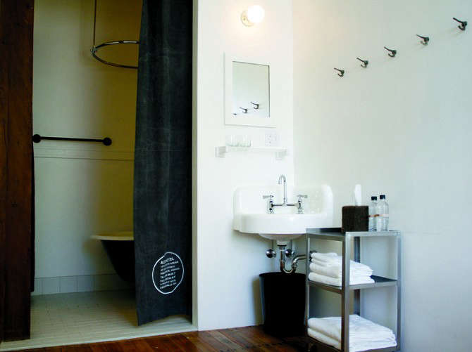 ace-hotel-portland-bath-and-bedroom