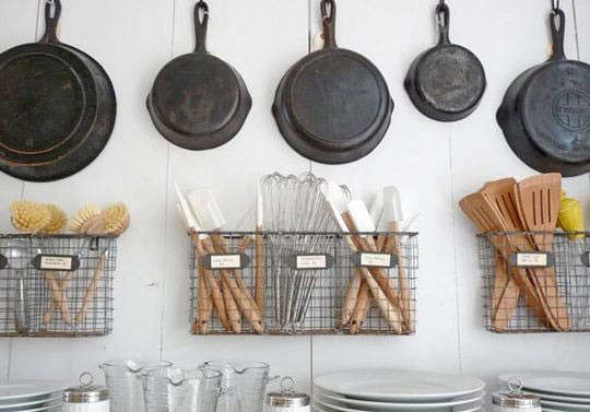 cast-iron-pans-row