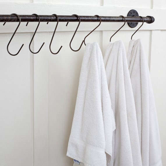 plumbing-pipe-towel-bar