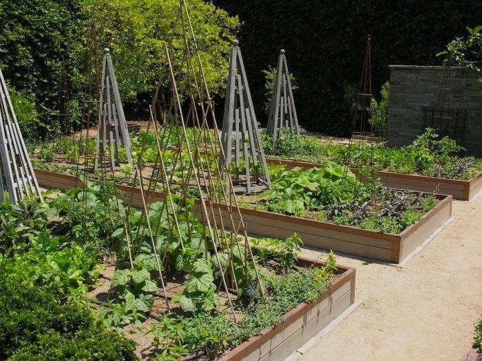 700_700-art-luna-kitchen-garden-trellis