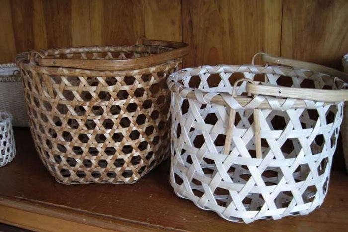700_alice-ogden-baskets-on-shelf