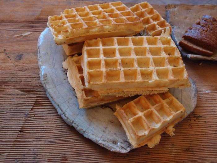 700_cecile-daladier-waffles-on-plate