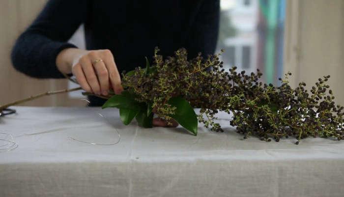 700_diy-video-garland-berries