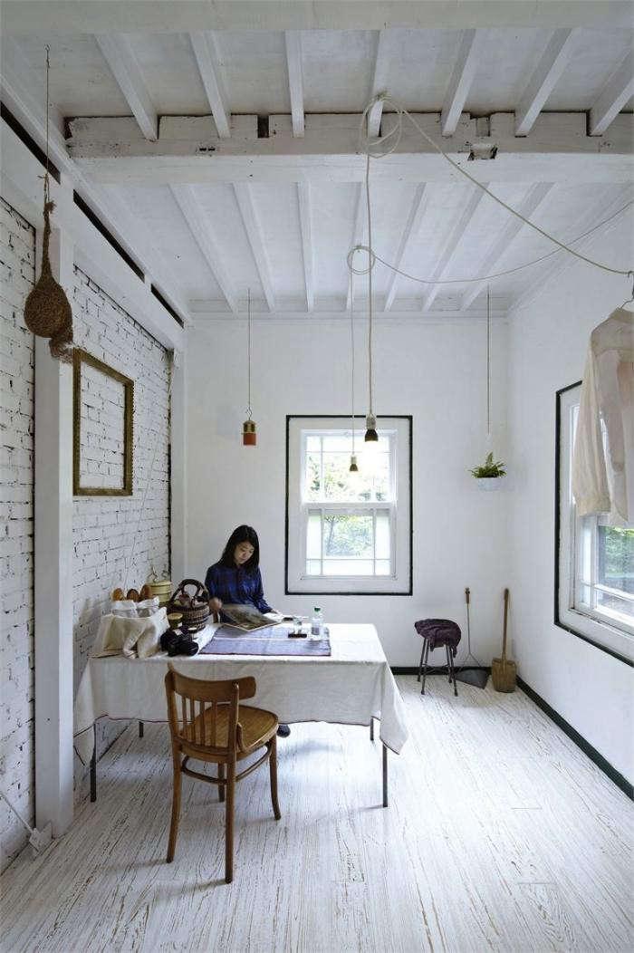 700_japanese-white-house-desk