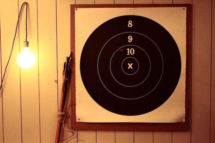 700_leadbelly-dartboard