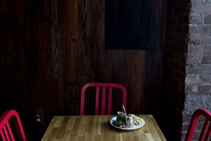 700_lulupo-restaurant-red-chairs