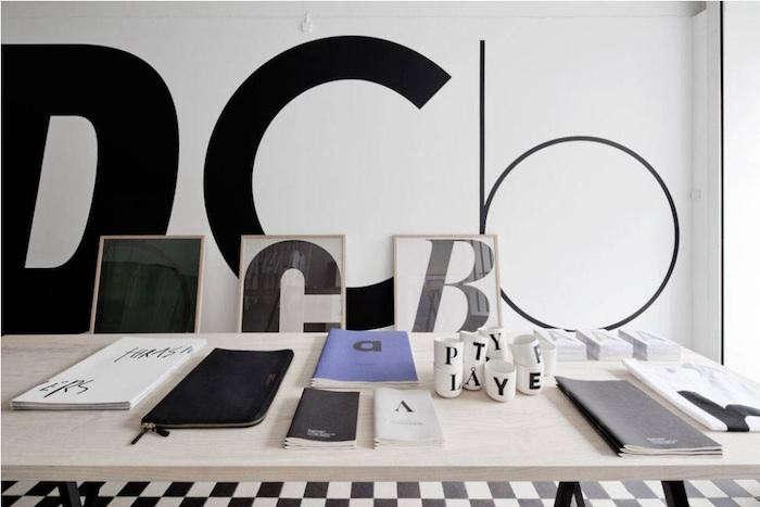 700_playtype-black-white-floor