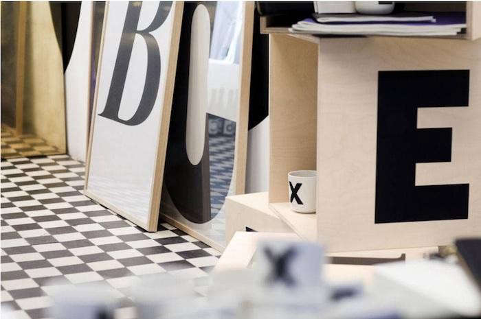 700_playtype-wood-box