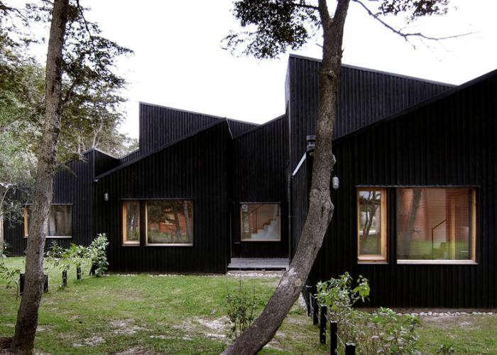 700_remodelista-clf-houses-by-estudio-babo-04-jpeg