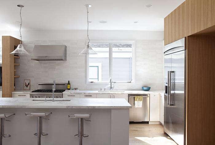 700_remodelista-medium-plenty-kitchen-03