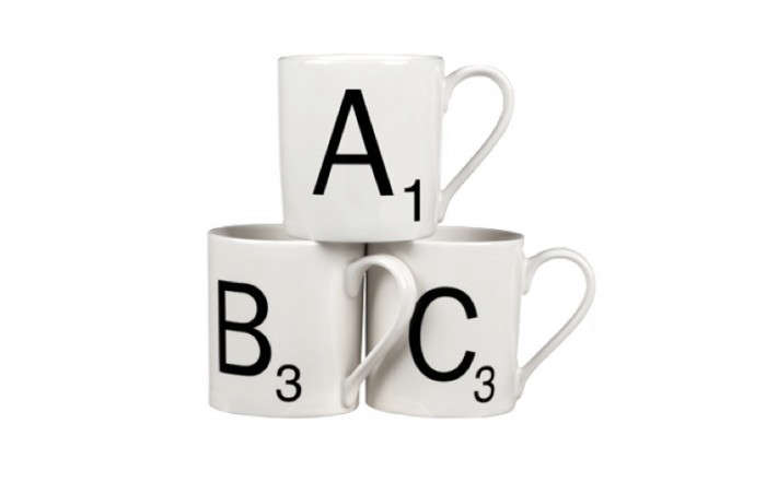 700_scrable-mugs-with-black-lettering