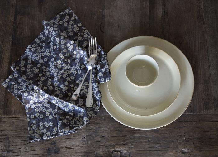 Steal This Look A Simple Table Setting From Sue Fisher King Remodelista