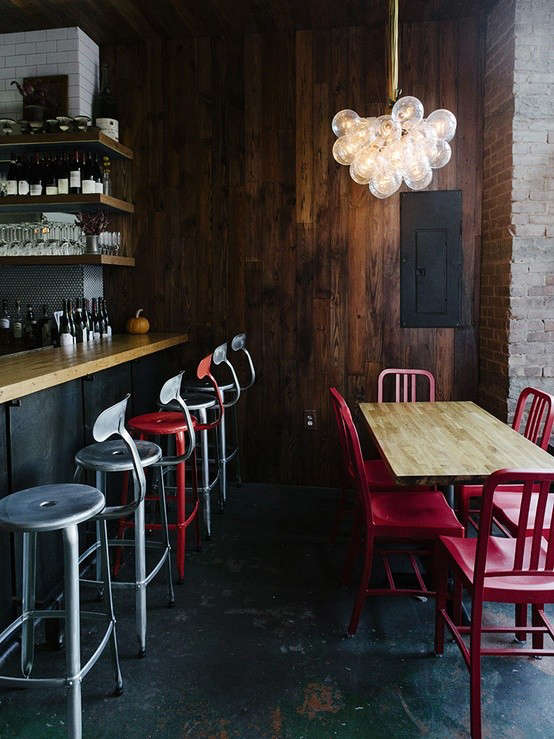 brooklyn-restaurant-red-chairs