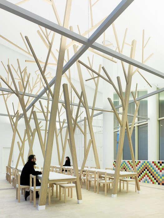 estudio-nomada-tree-dining-table-01-jpeg