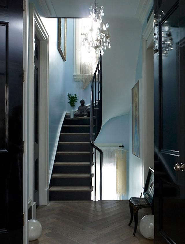 courtney-love-entryway
