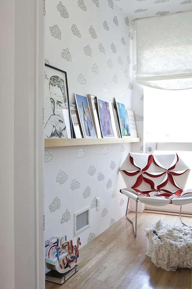 desk-of-lola-cloud-wallpaper
